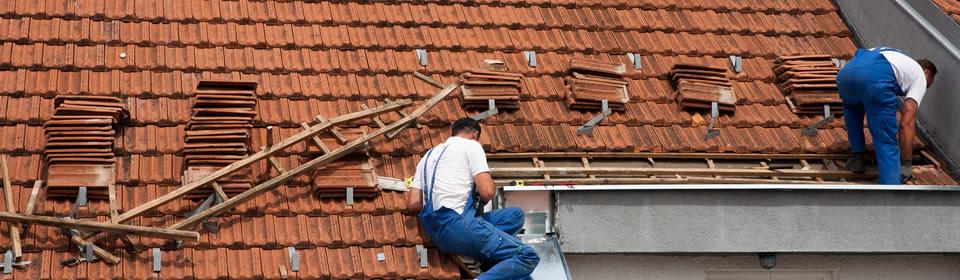 dakbedekking plaatsen op schuin dak